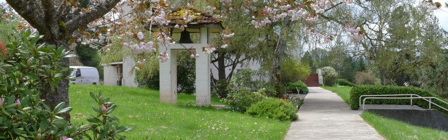 Laurelwood walkway